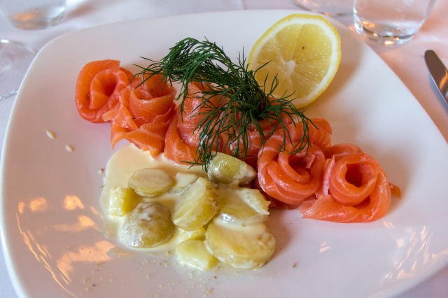 Lightly cured salmon with creamed potatoes