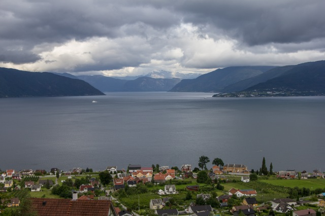 Balestrand - hike above town