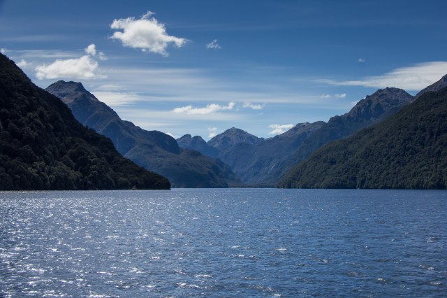 Doubtful Sound Tour - Lake Manapouri