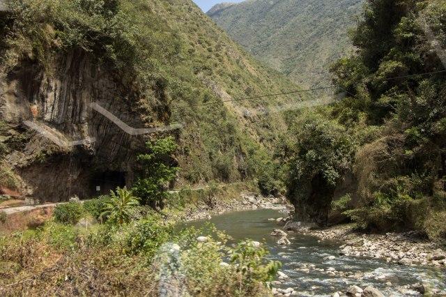 Train from Ollantaytambo to Agua Calientes