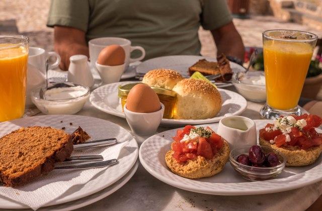 hotel kellia - breakfast
