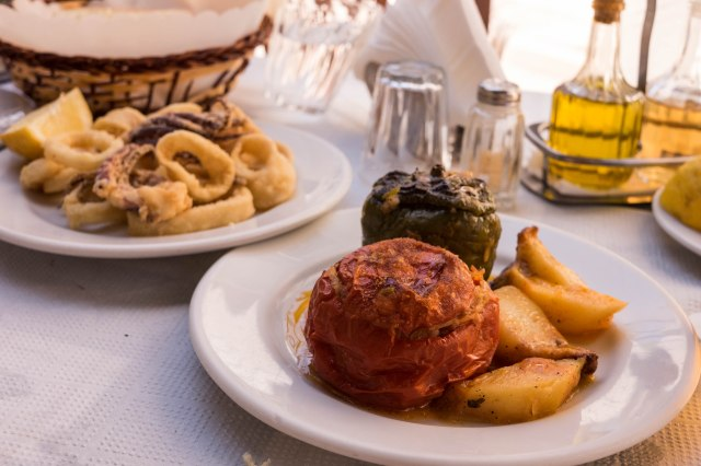 Palia Taverna - stuffed tomato and stuffed pepper