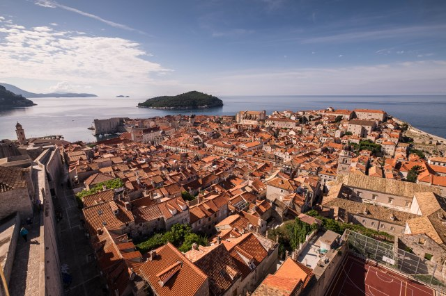 Dubrovnik wall walk - north side of wall