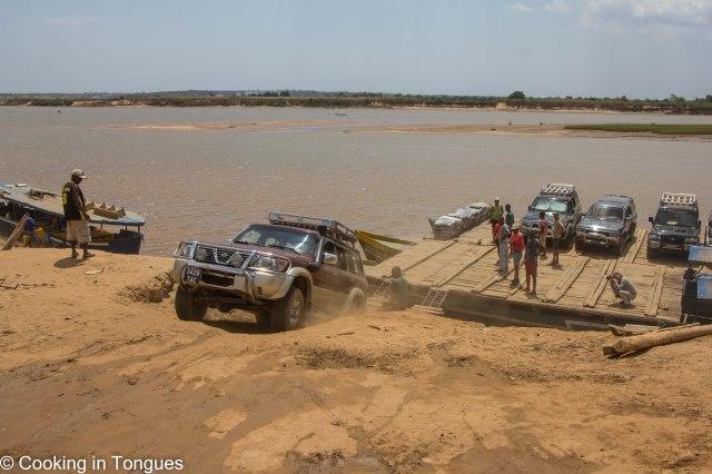 Drive from Tsingy de Bemaraha to Kirindy Forest